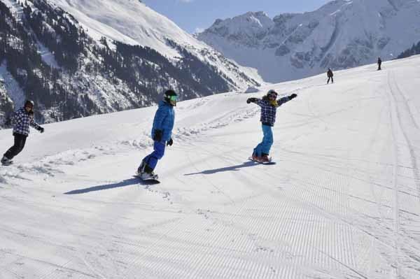 Schneesportlager Mittelstufe